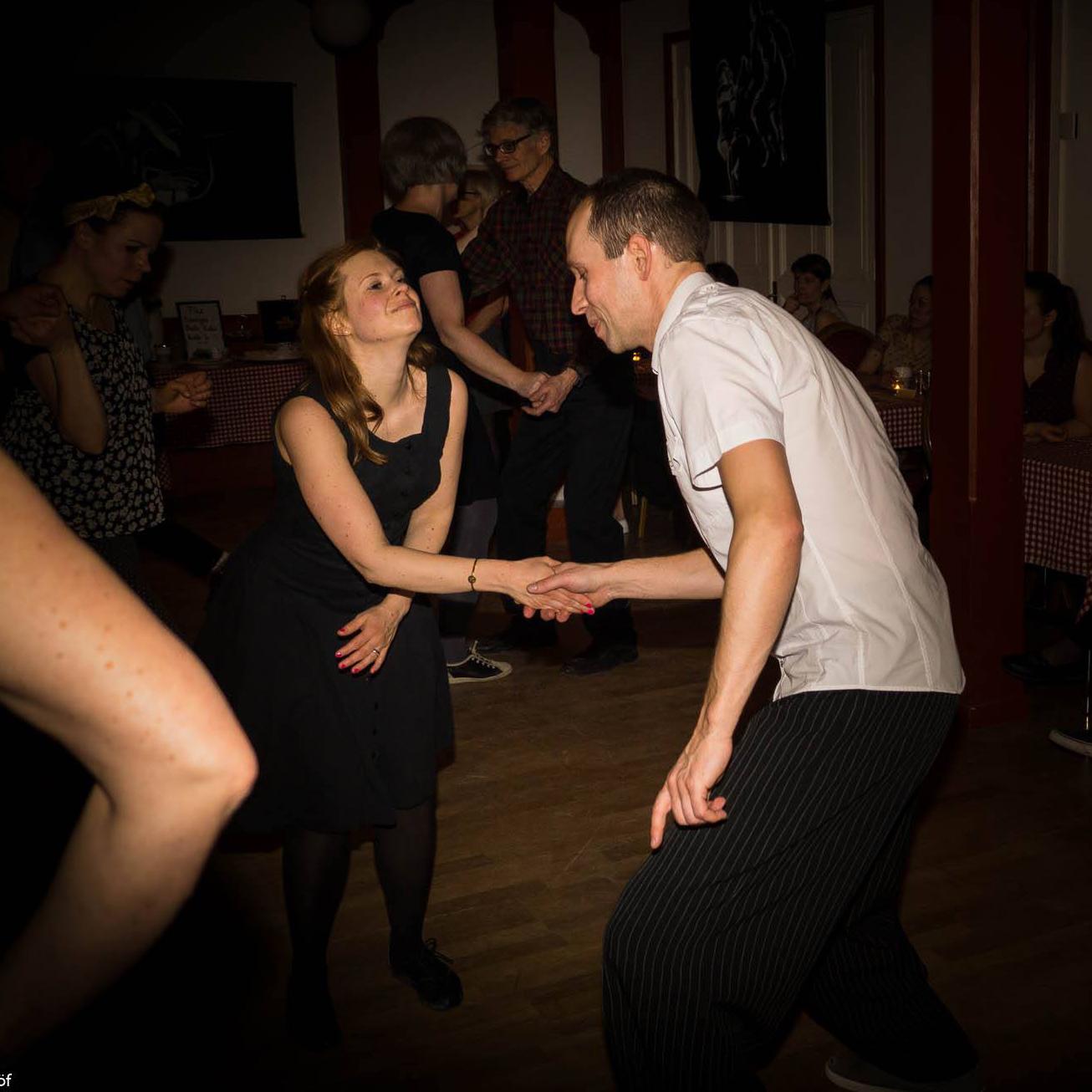 träffa oskuld dansa i Umeå